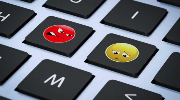 Redes sociales aceleran retiro de contenido con discursos de odio: UE