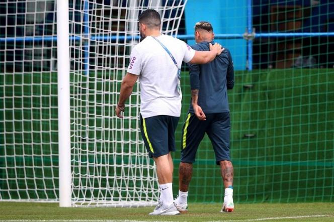 Neymar abandona entrenamiento de Brasil