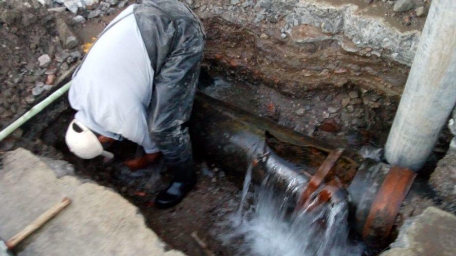 Se restablece el servicio de agua potable en colonias del Centro Histórico