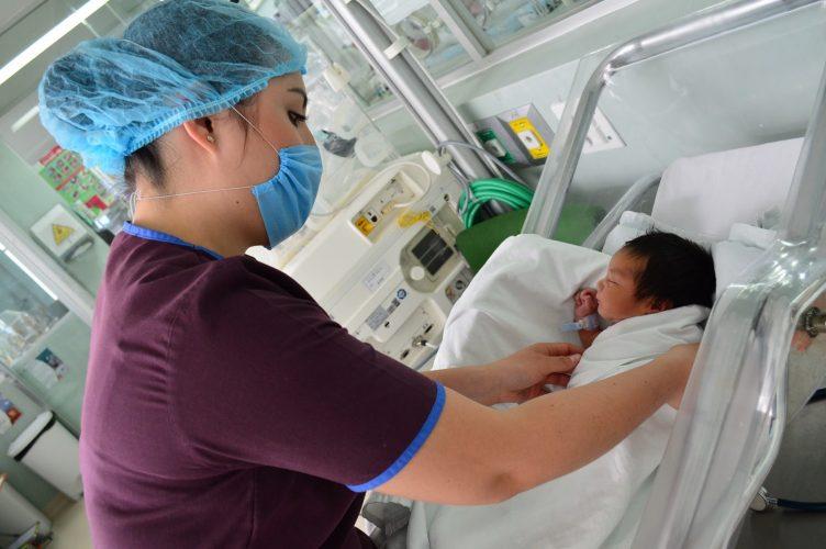 Certifica OMS  servicios del ISSEMYM a mujeres embarazadas y recién nacidos