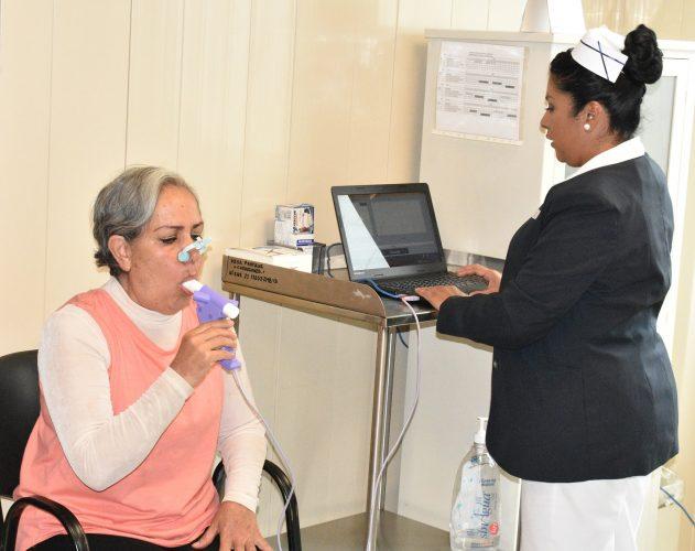 Entregan equipo para diagnosticar enfermedades respiratorias y pulmonares