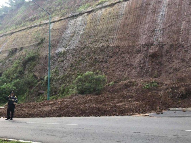 PRECAUCIÓN: Cortes de circulación por deslave en Santa Fe