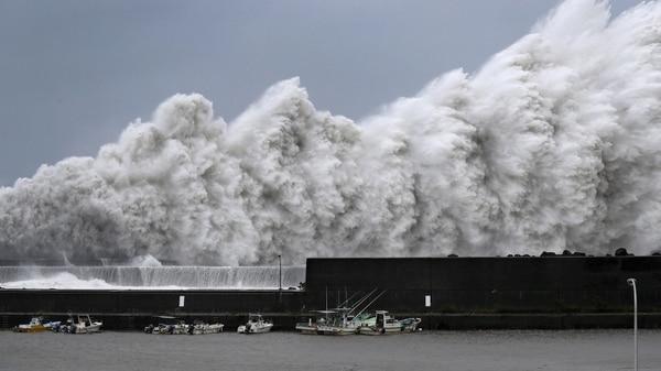 Al menos 6 muertos en Japón por tifón 'Jebi'