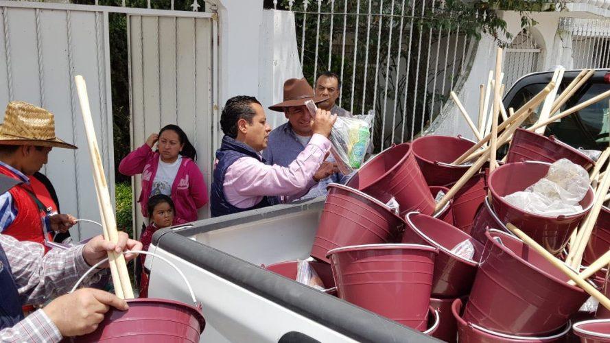 Inicia primer etapa de entrega de kits de limpieza a seis barrios afectados por el desbordamiento del Río Lerma