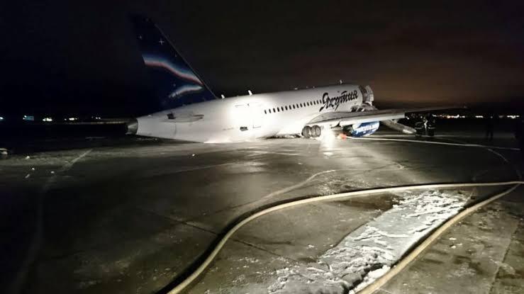 Terrible accidente en Alemania un avión se estrella contra multitud