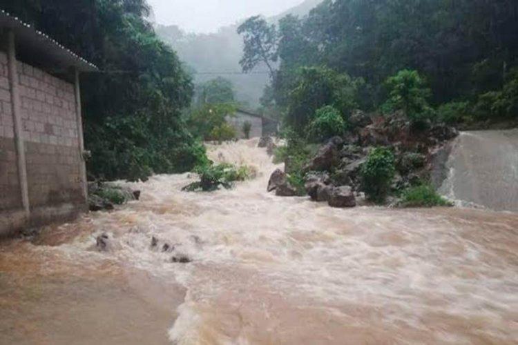 Nueve muertos en Oaxaca a causa de la tormenta tropical 'Vicente'