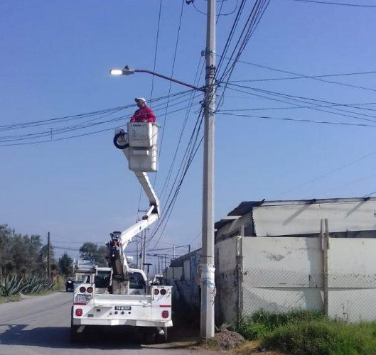 Realiza Toluca trabajos de mantenimiento en el sistema de alumbrado público