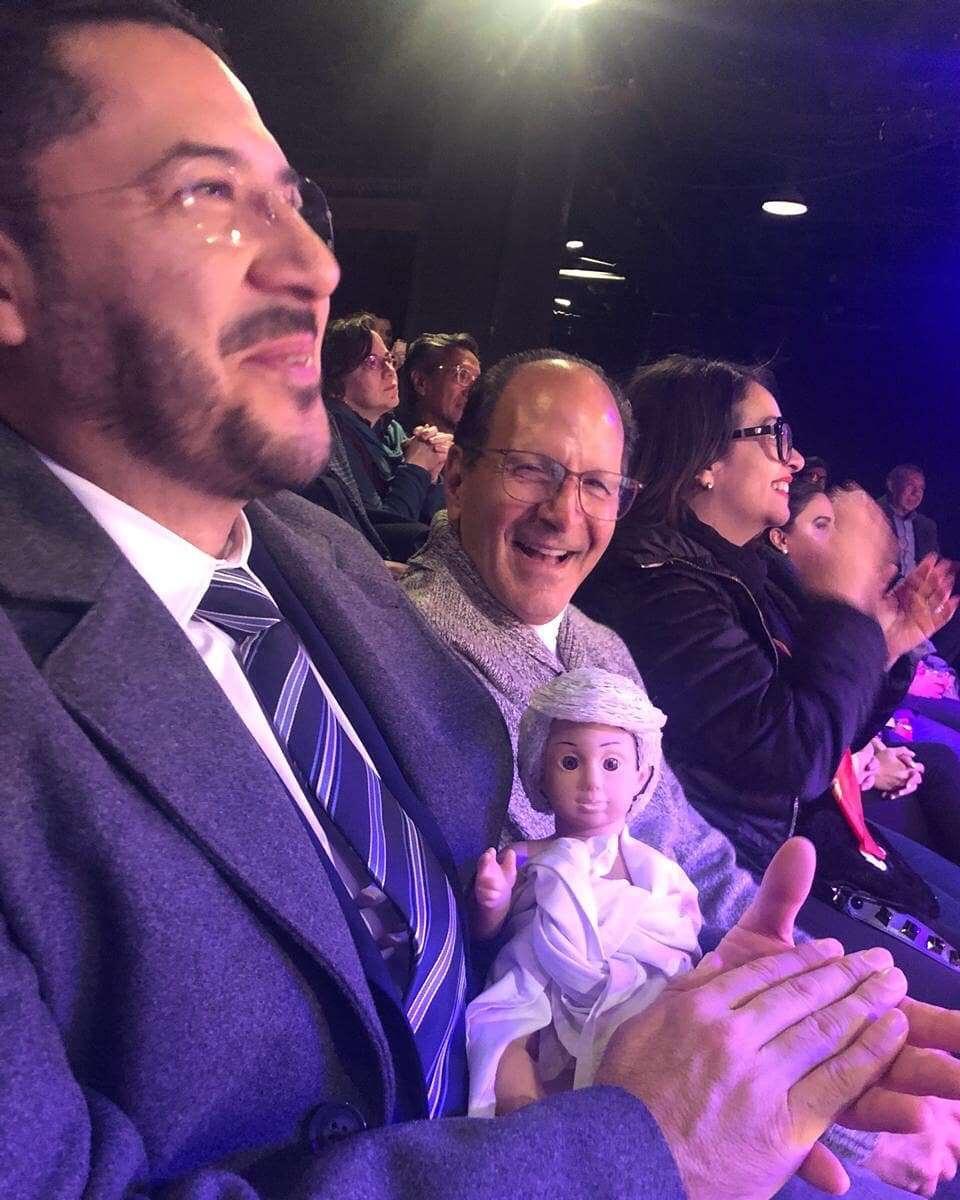 Martí Batres cargó al niño AMLO Dios. (Instagram: @martibatresg)