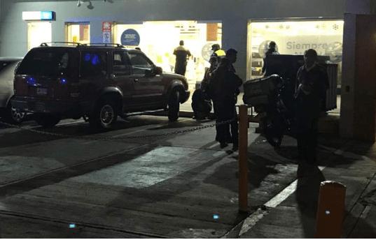 Sujetos asaltan Coppel de Tlanepantla; se llevan más de 40 celulares