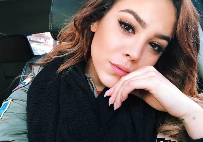 Danna Paola sube selfie sin maquillaje y es criticada en redes