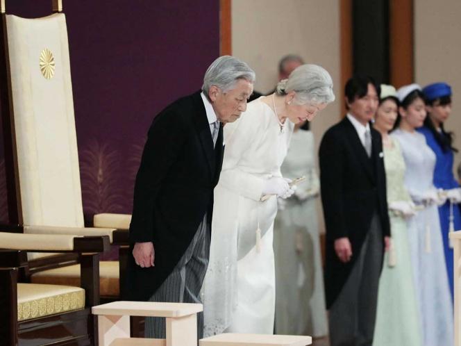 Se despide Akihito como emperador de Japón