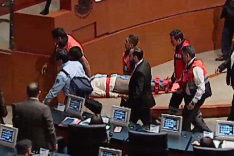 Senadora de Morena es llevada al hospital tras caer en plena sesión