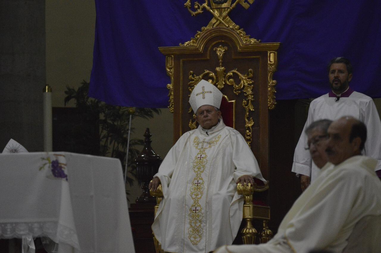 Obispo de Toluca Celebra Misa Crismal