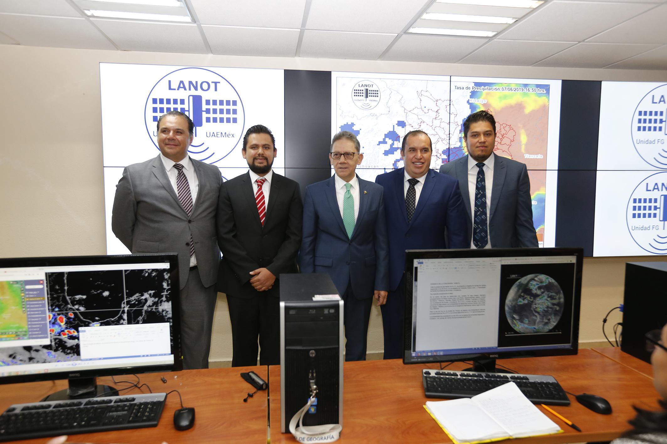 Alfredo Barrera inauguró Laboratorio Nacional  de Observación de la Tierra en la UAEM