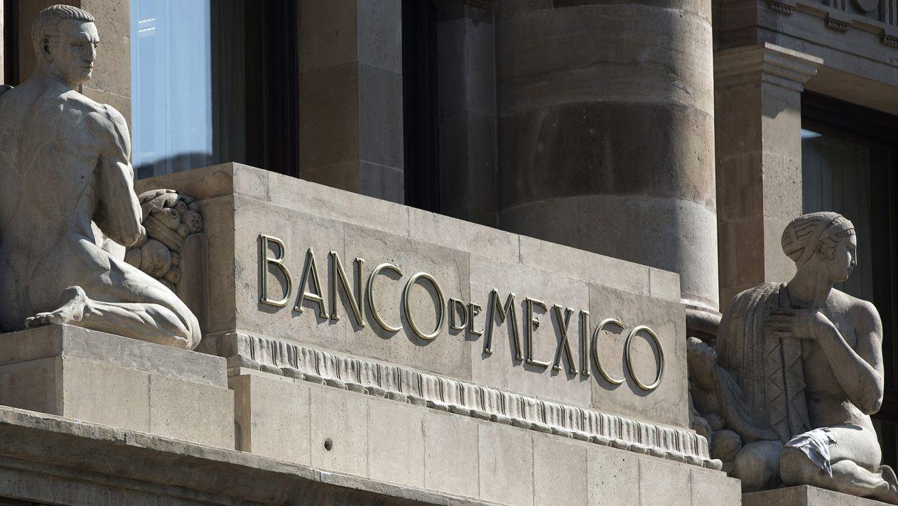 """Prevé Banxico más desaceleración y """"ligera recesión"""""""