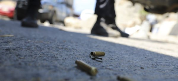 Al menos 15 personas murieron durante un enfrentamiento entre civiles armados y elementos del Ejército en la comunidad de Tepochica, del municipio de Iguala, en Guerrero.