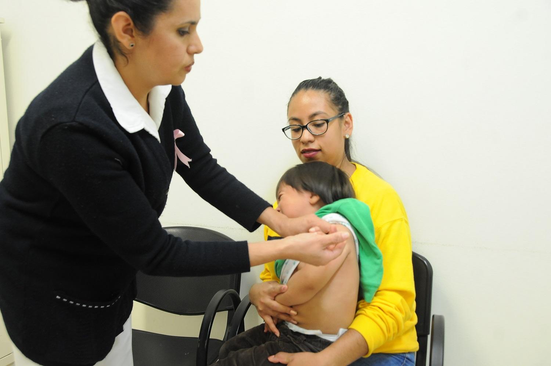 Si estoy enfermo, ¿me puedo vacunar contra la influenza?