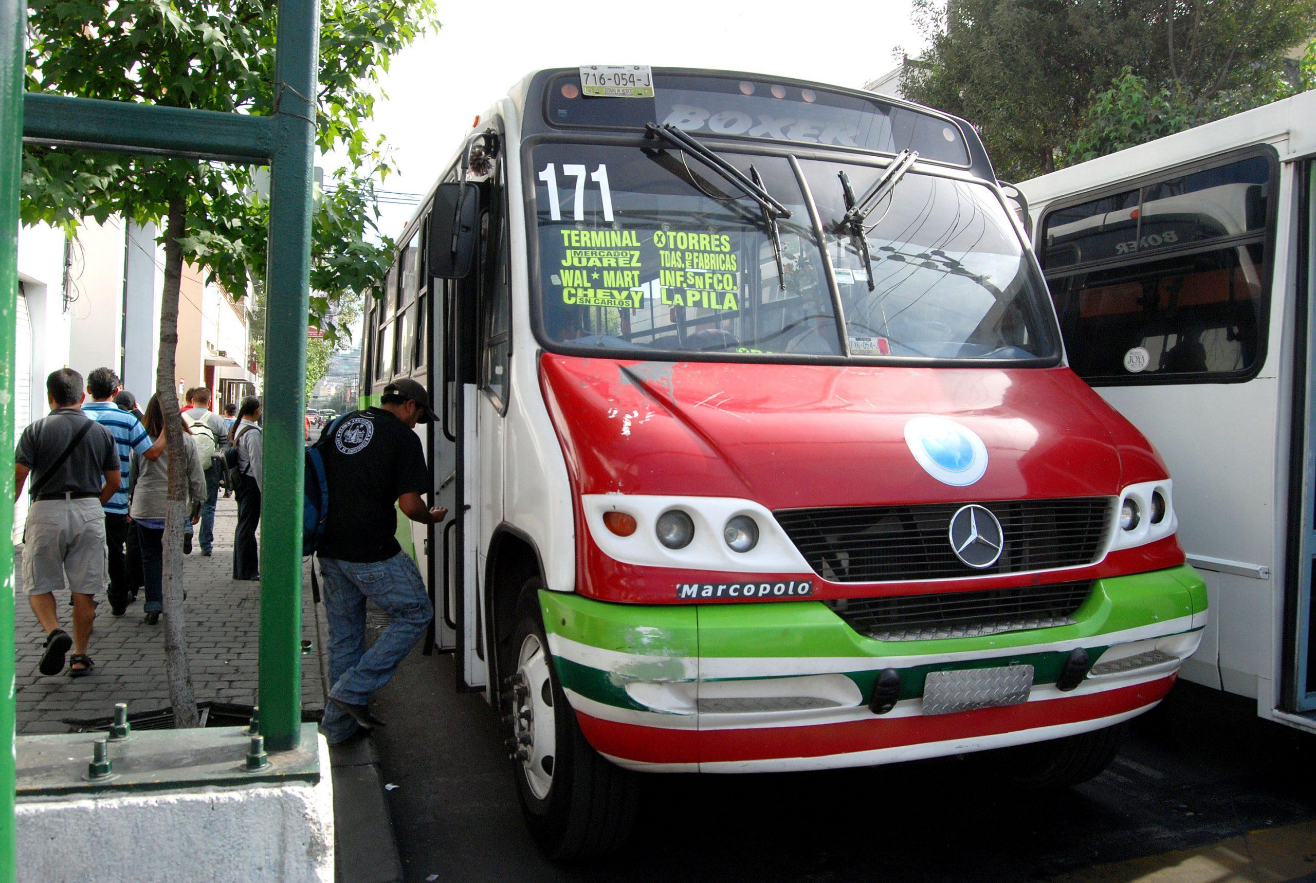 Propone regidor de Toluca municipalizar el sistema de transporte público