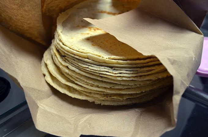 Tortilla registra aumento; llega hasta los 18 pesos