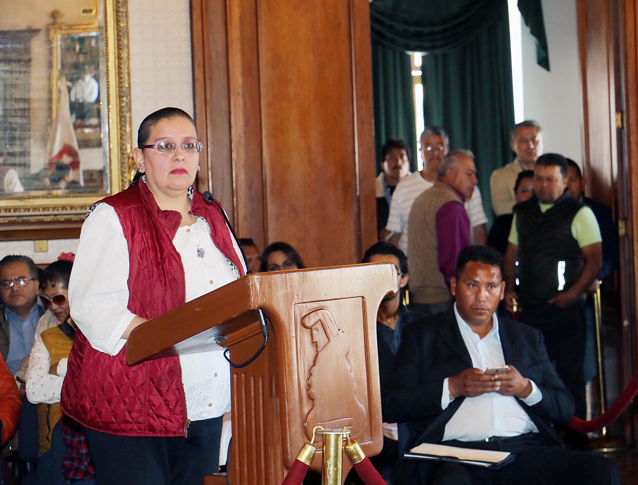 Anuncian cambio de 50 mil luminarias en Toluca