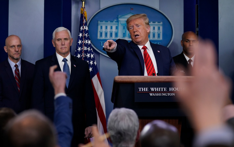 Trump exige que AMLO haga más contra cárteles