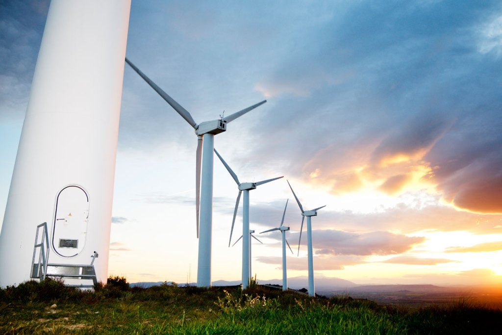 Frena 4T invenciones en energías renovables