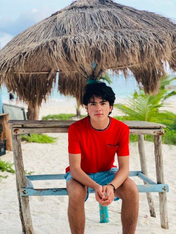 Reaparece Enrique Peña Nieto junto al hijo que tuvo fuera de matrimonio