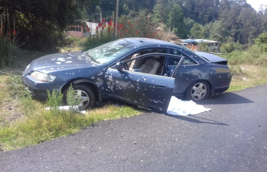 Hombre fue acribillado en su auto en Temascaltepec