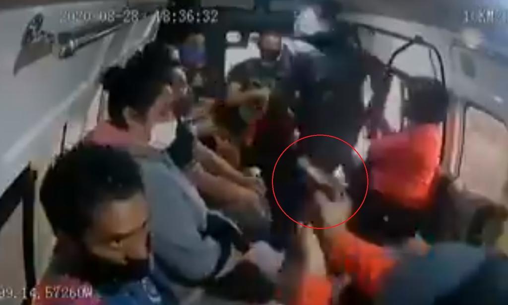 Hombre que presuntamente disparó a joven durante asalto a combi en Naucalpan fue detenido
