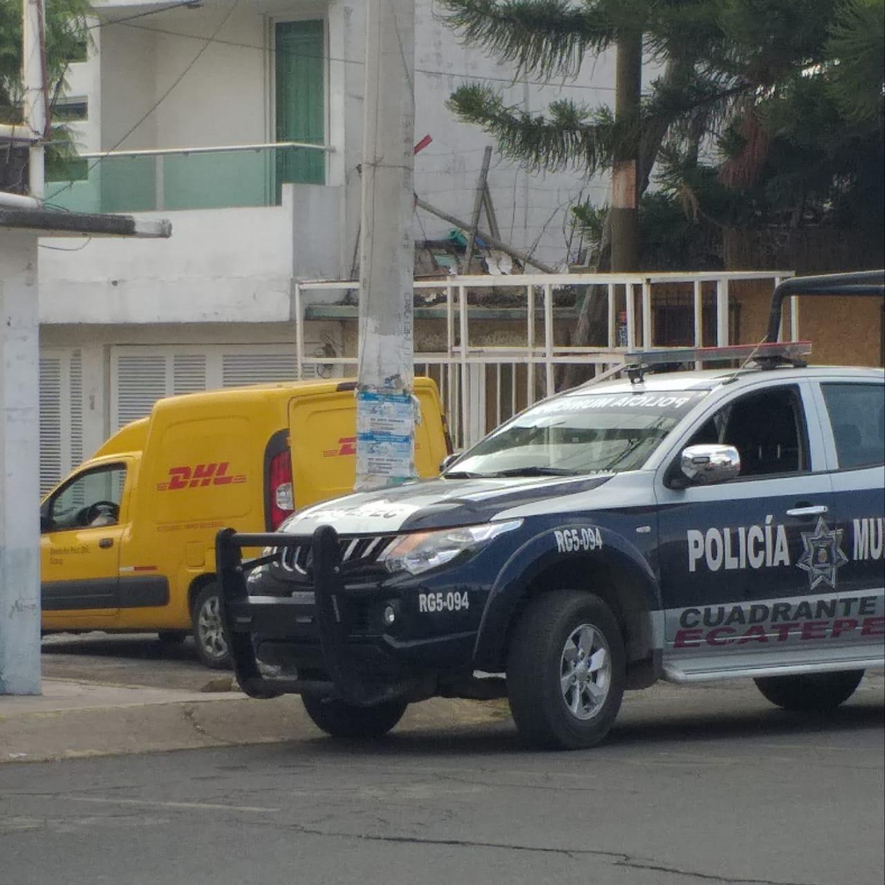 Policías de Ecatepec frustran robo de camioneta de DHL y rescatan al conductor