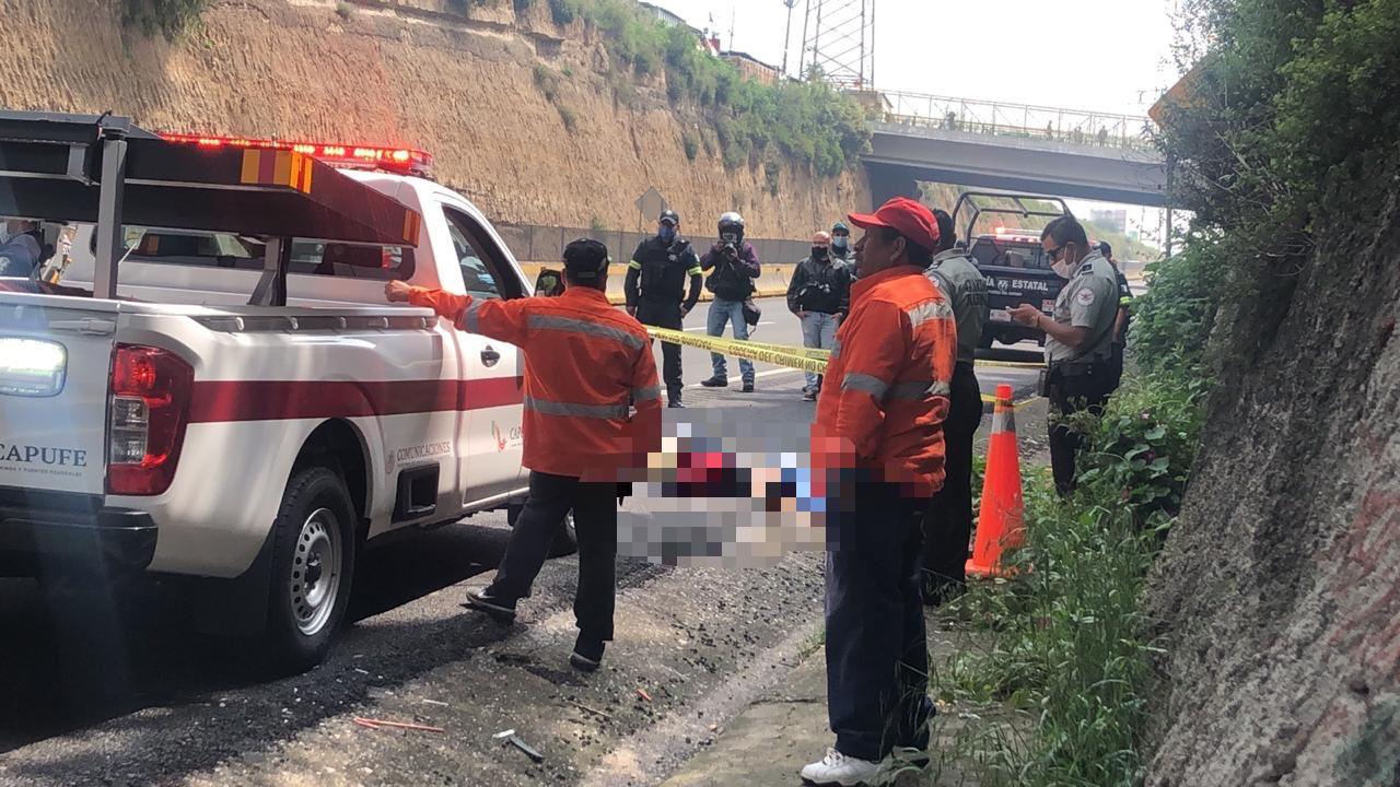 #Video abandonan el cuerpo de una mujer encobijado en la Chamapa-Lechería