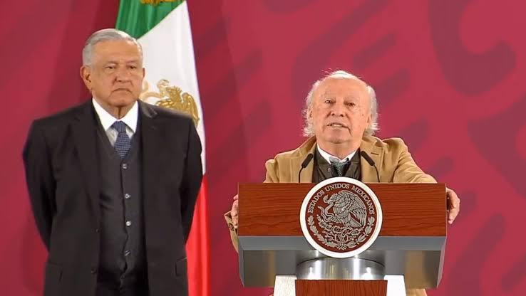 Gobierno de AMLO 'está lleno de contradicciones y luchas de poder', dice titular de Semarnat