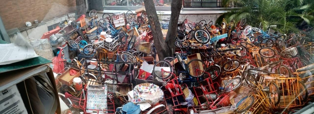 Cientos de triciclos confiscados a ambulantes en Polanco causa indignación en redes