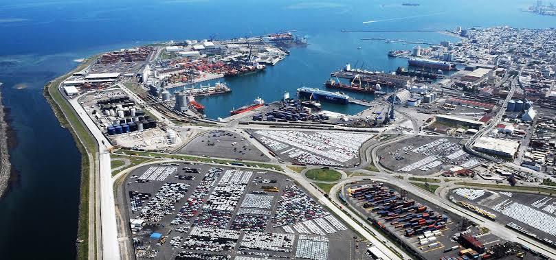 Quiere AMLO quitar concesión de 100 años de puerto de Veracruz que administra su propio gobierno