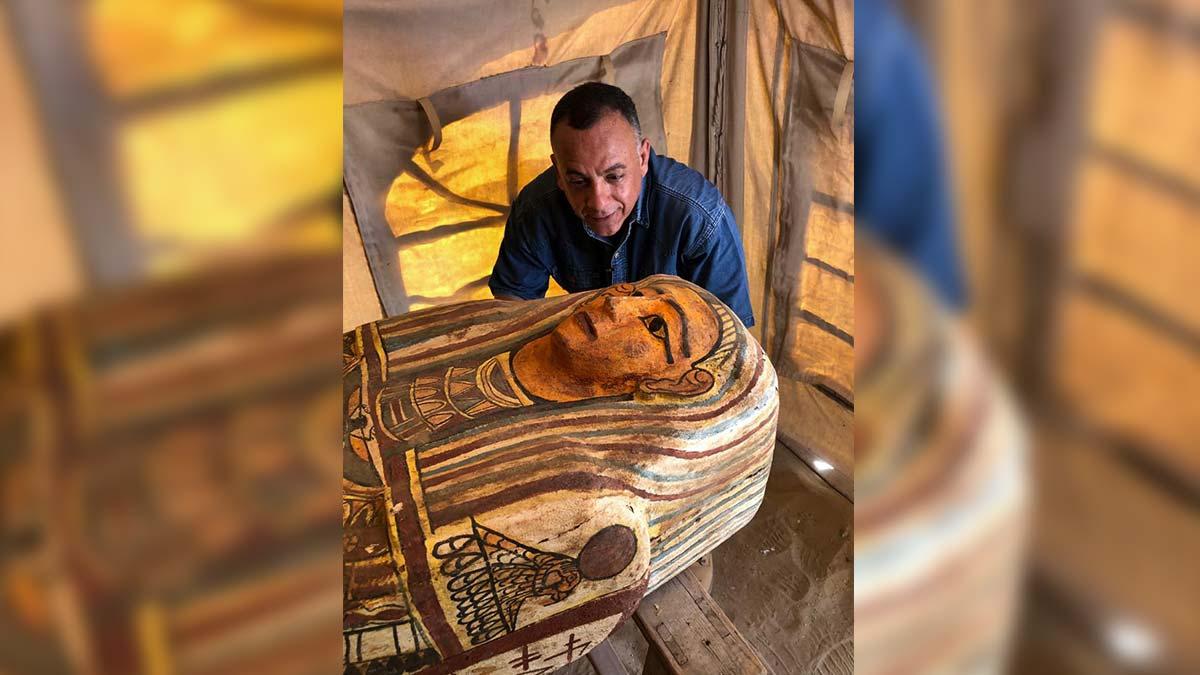 Encuentran 14 sarcófagos de hace 2 mil 500 años en Egipto