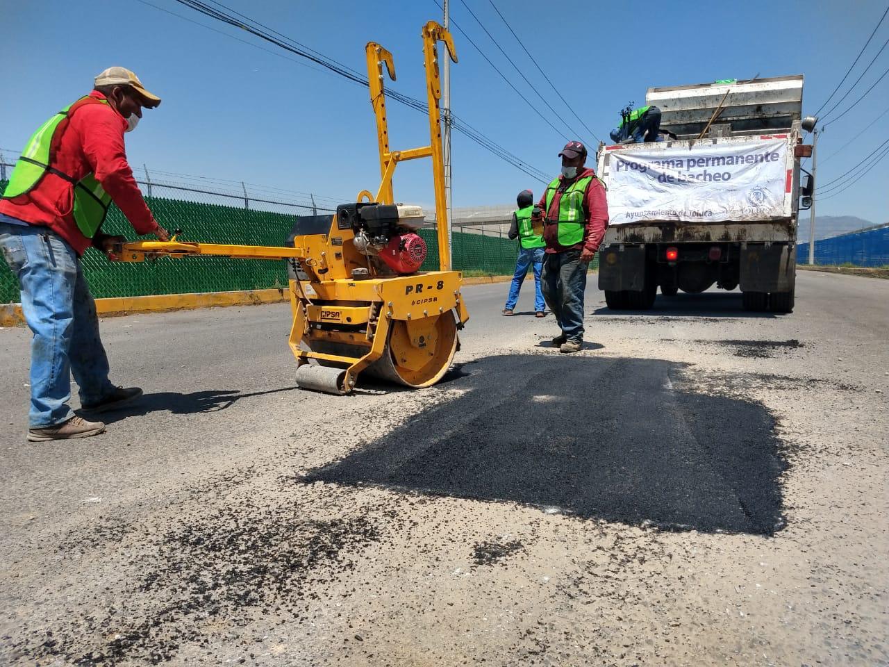 Gobierno estatal, ayuntamiento de Toluca y PPS trabajan en conjunto en bacheo de Paseo Tollocan