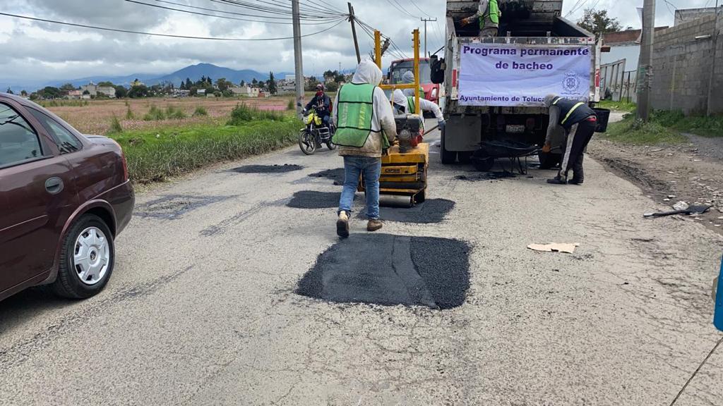 En Toluca, acciones de bacheo agilizan rehabilitación de vialidades