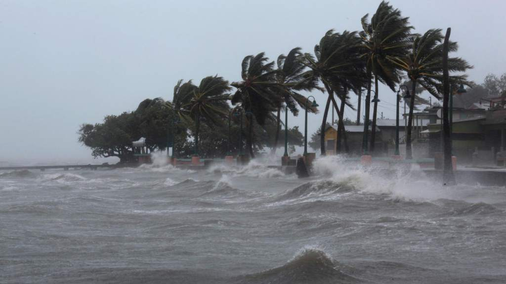 Meteorólogos usan alfabeto griego por actividad inusual para nombrar tormentas en el Atlántico