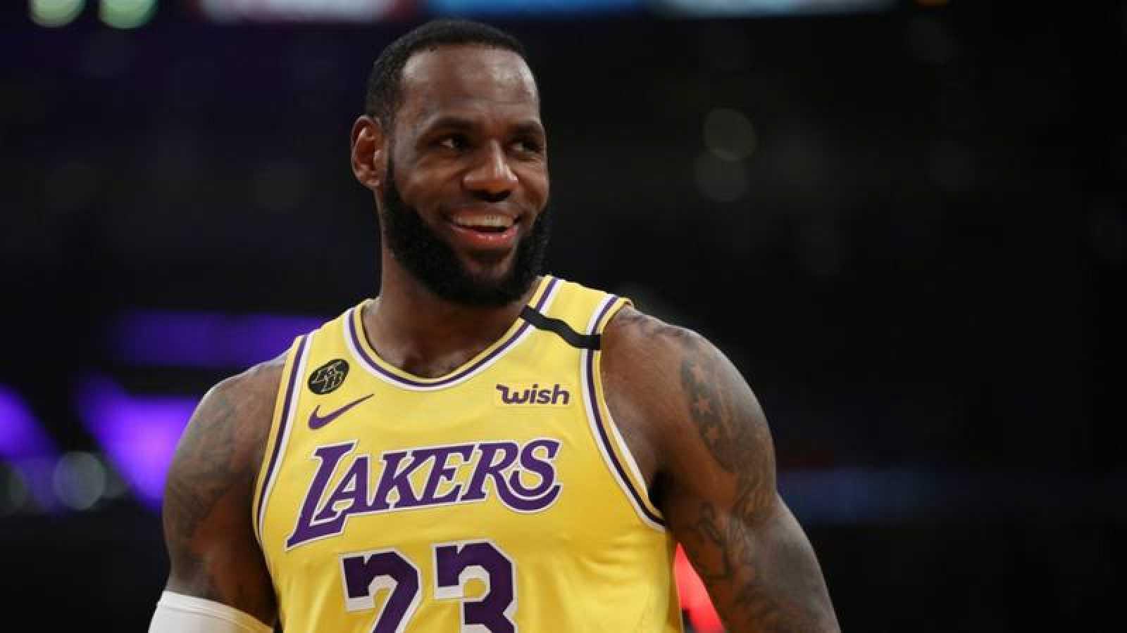 LeBron James impone récord de victorias en Playoffs; 43 más que Jordan