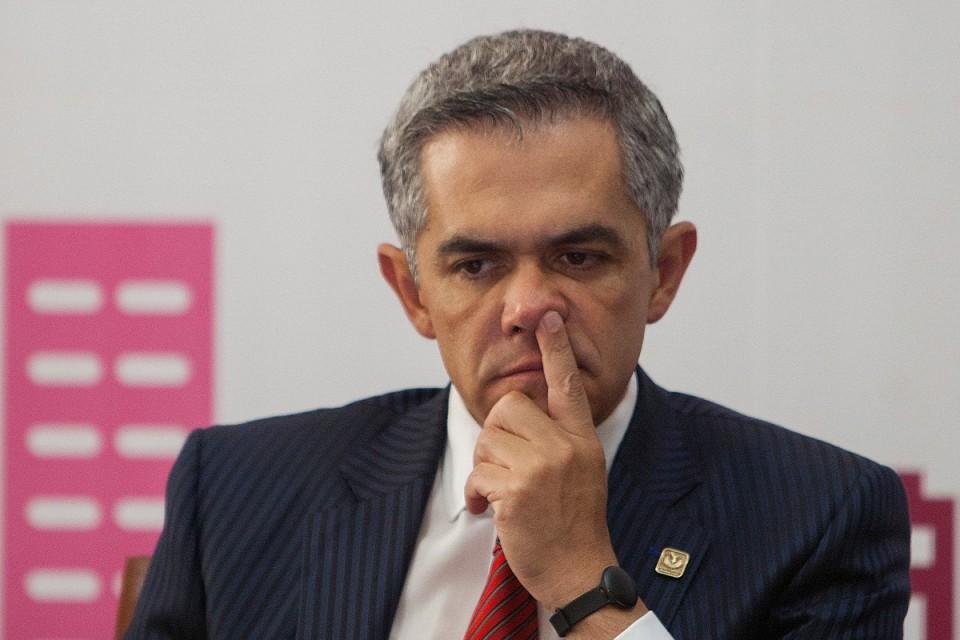 Miguel Ángel Mancera, es inhabilitado para desempeñar cargos públicos  por 1 año