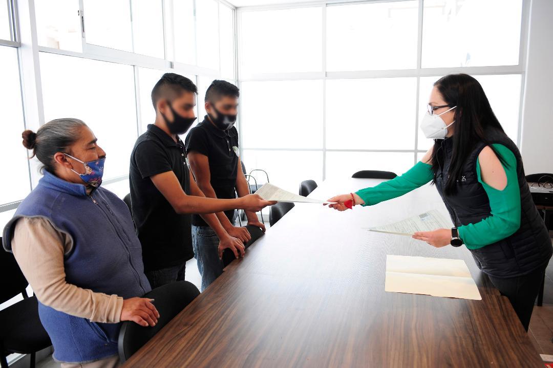DIFEM garantiza derecho de identidad para adolescentes sin registro