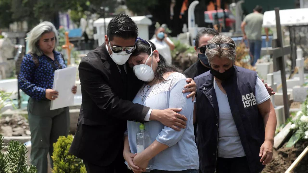 Mueren en México 124 mil 897 personas y 1 millón 413 mil 935 casos confirmados de COVID-19