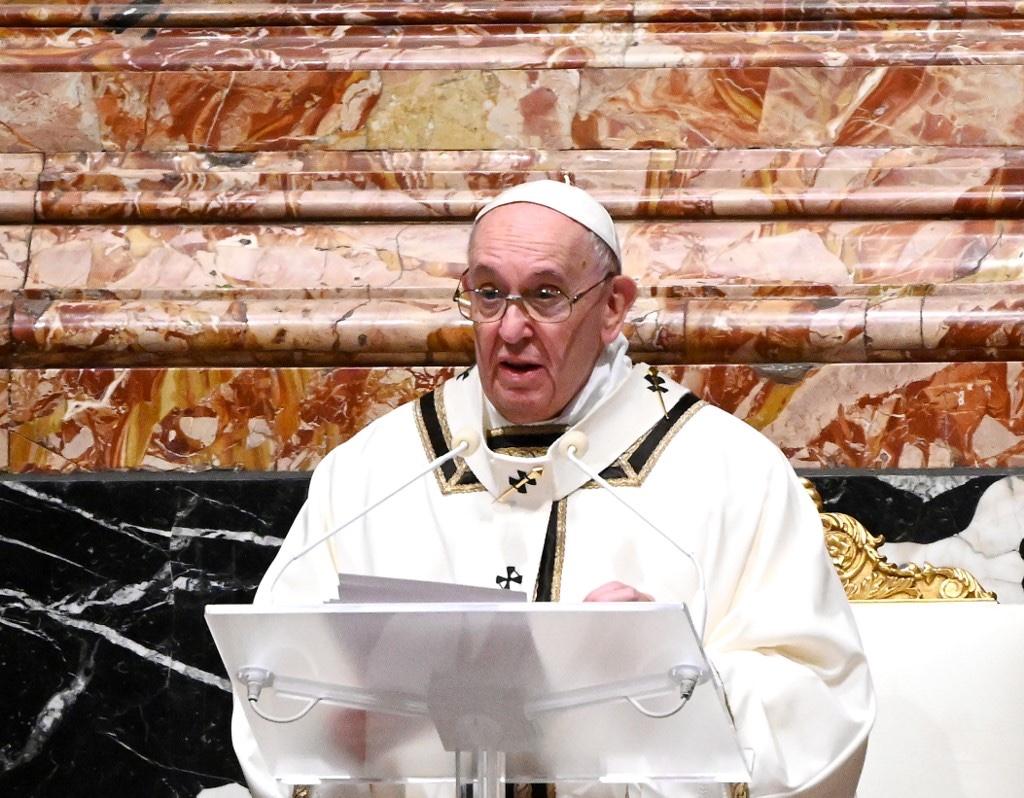 Pide el papa Francisco a los países que compartan la vacuna del coronavirus