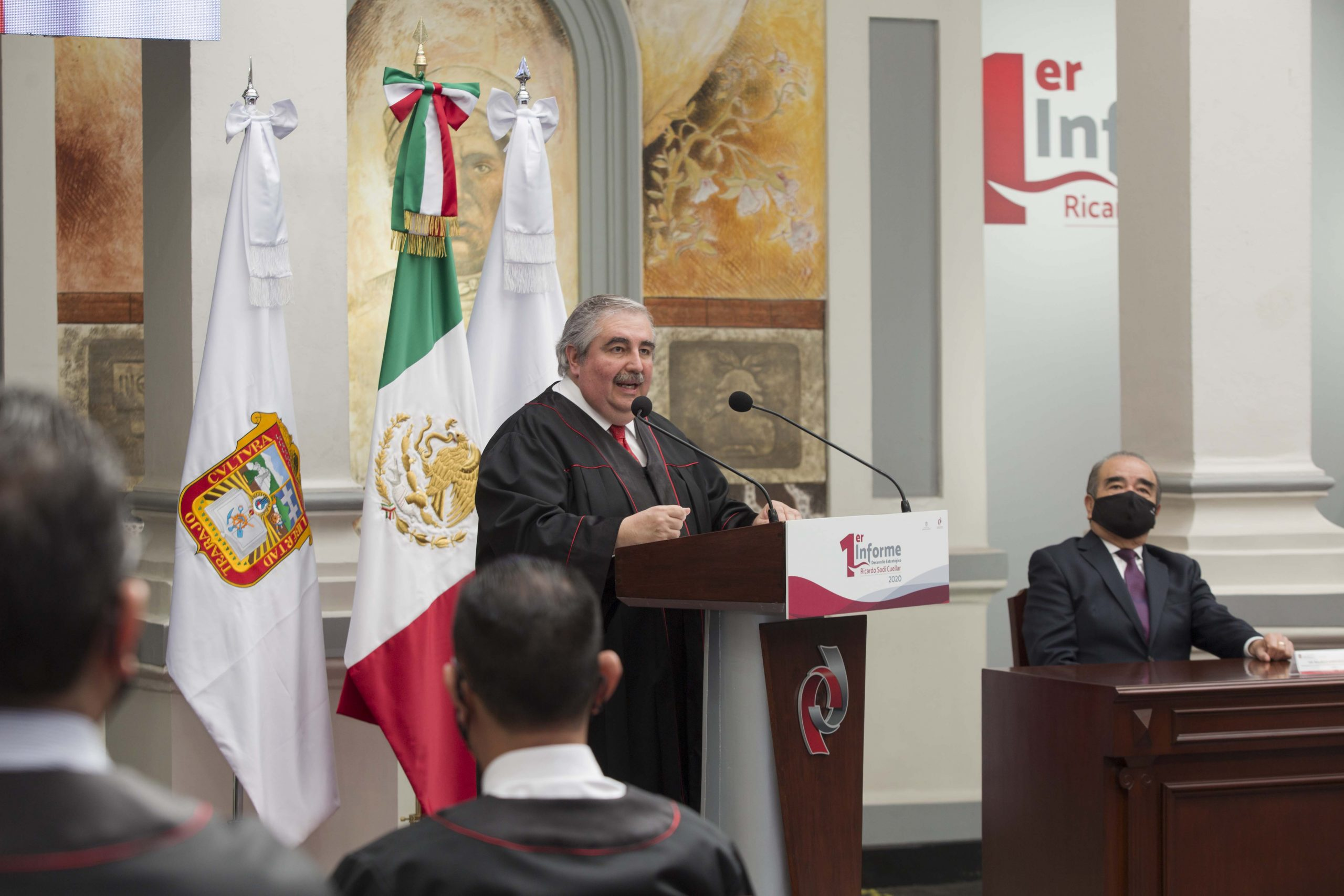 Entrega Ricardo Sodi Cuellar su Primer Informe de Desarrollo Estratégico 2020