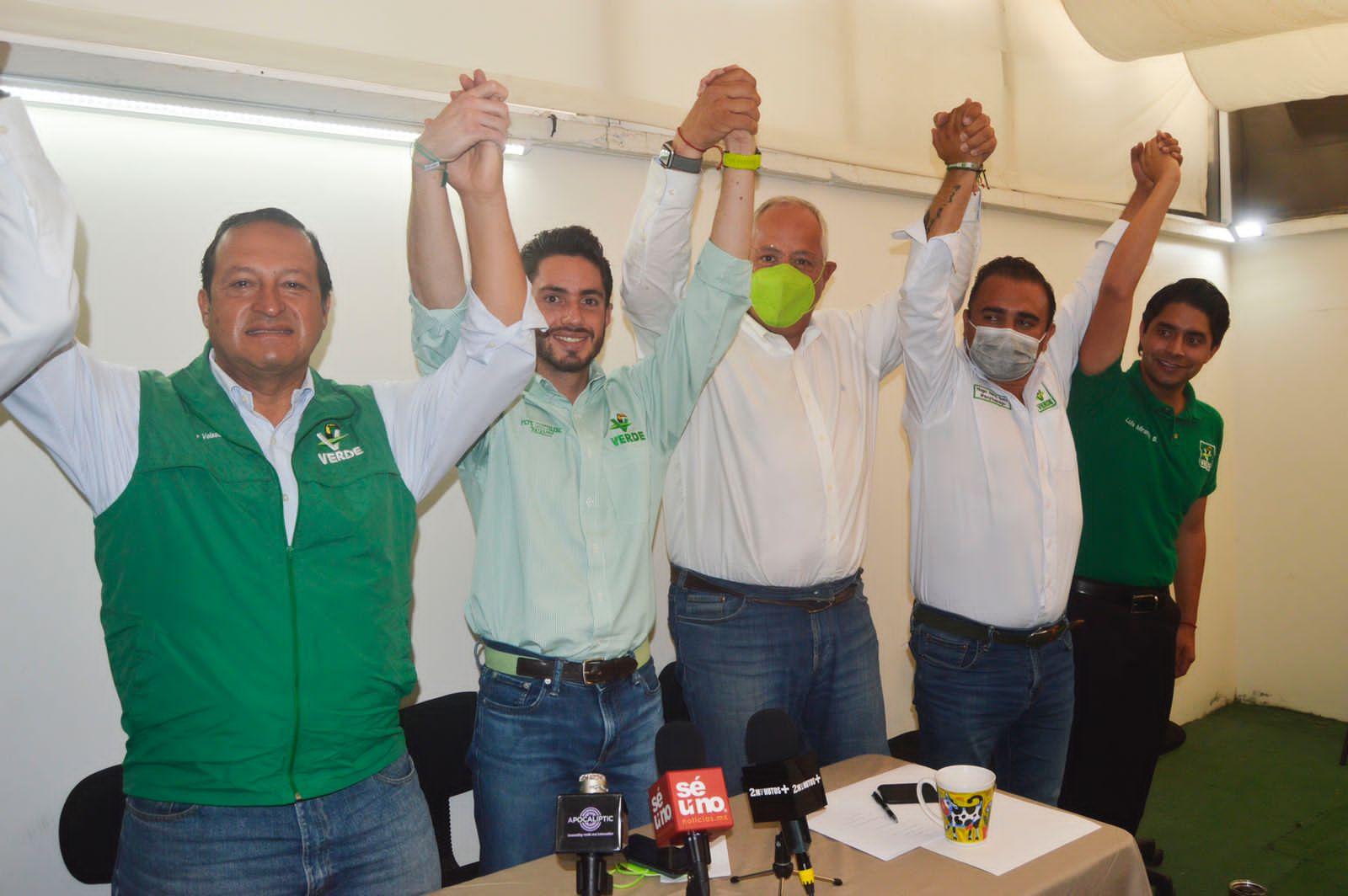 Ernesto Monroy denuncia actos de hostigamiento político