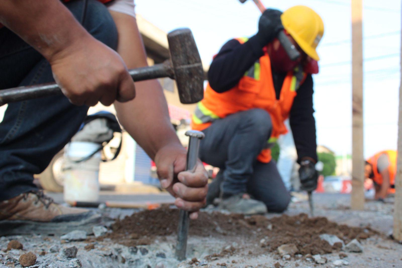 Gobierno de Ecatepec inicia demolición de edificio inclinado que pone en riesgo a vecinos