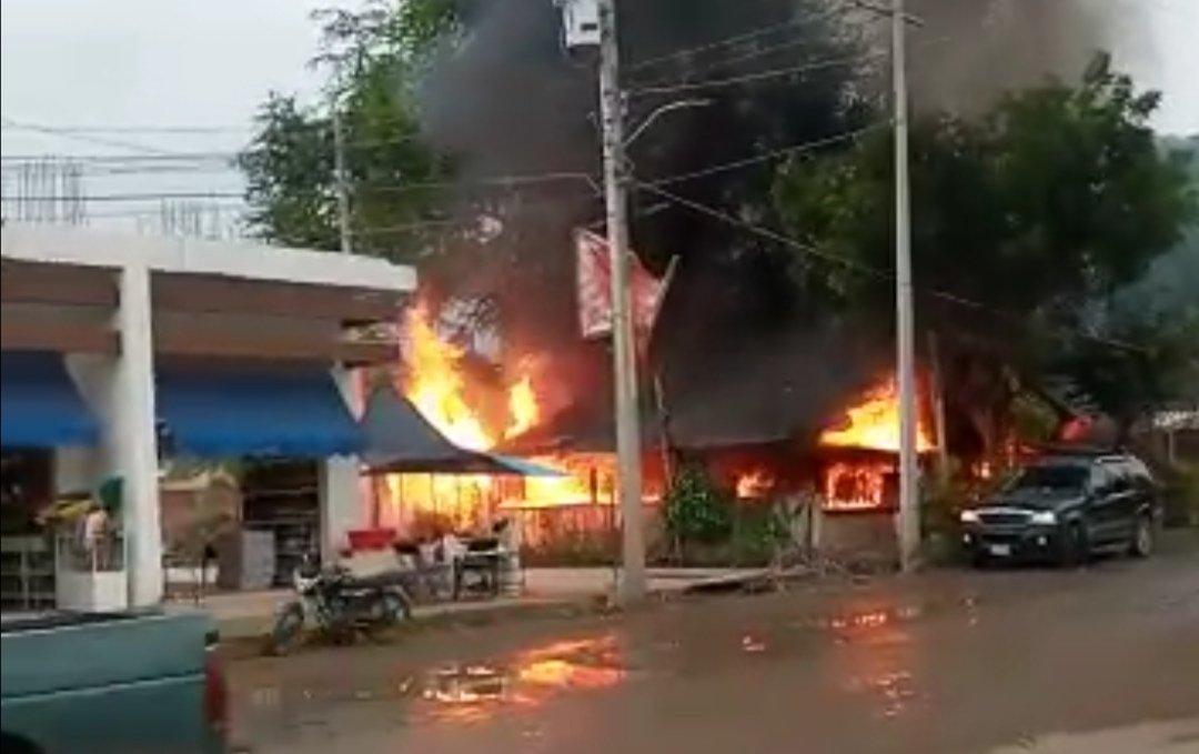 Matan a dueño de birriería en Michoacán y queman el negocio donde AMLO comió en 2019