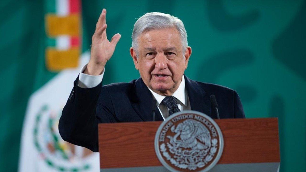 """""""No es por presumir, pero México es ejemplo a seguir en el mundo por gobernar con democracia"""": AMLO"""