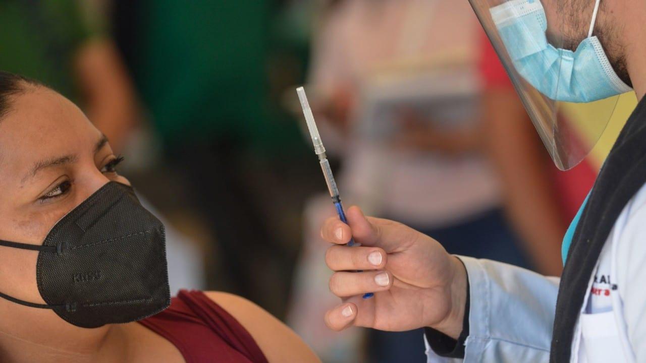 Une esfuerzos IMSS Estado de México Poniente con sector empresarial para vacunar a trabajadores mayores de 18 años