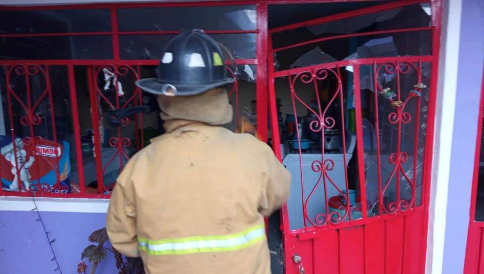 #Edomex Tres lesionados tras explosión en casa de Atizapán